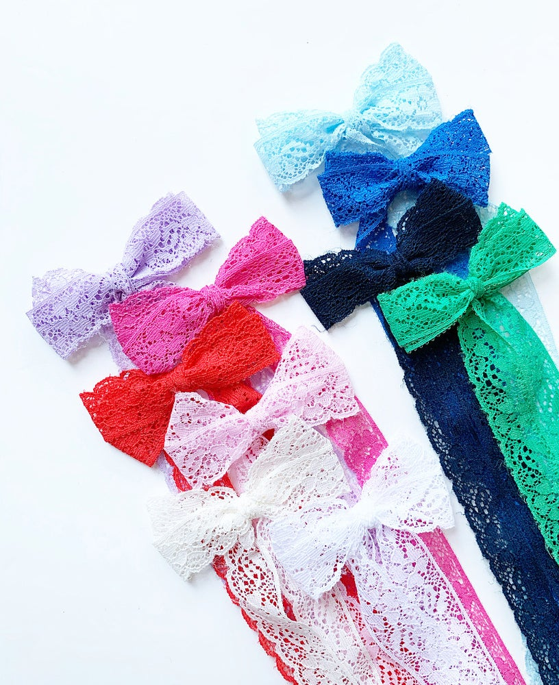 Eva's House Long Tail Lace Bow