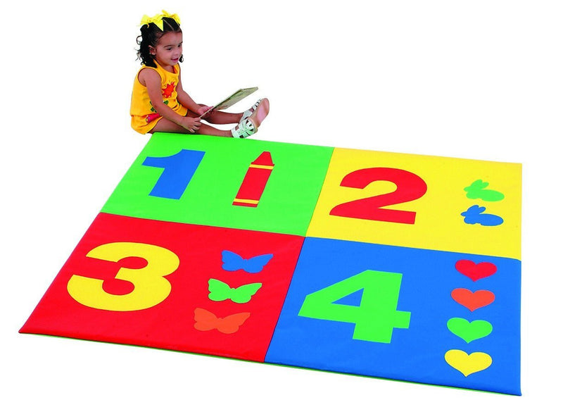 Play mat with 1, 2, 3 and 4 numerals