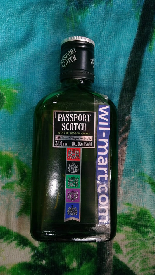 Passport Scotch whisky 200ml