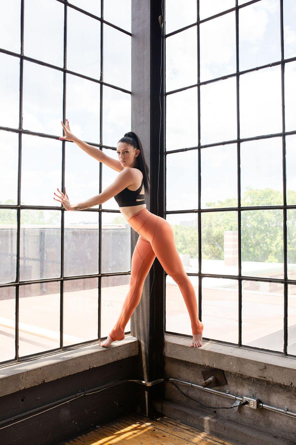THE PAPAYA HOURGLASS LEGGING