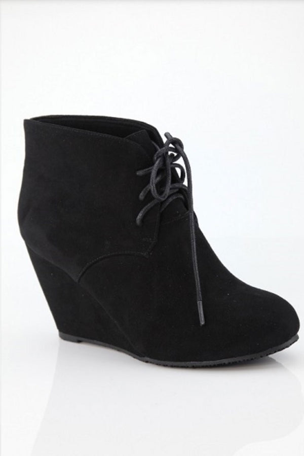 Catwalk Wedged Black Booties
