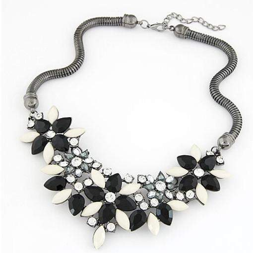 Retro Style Colorful Gem Rhinestone Flower Choker Necklace - Black 31A35