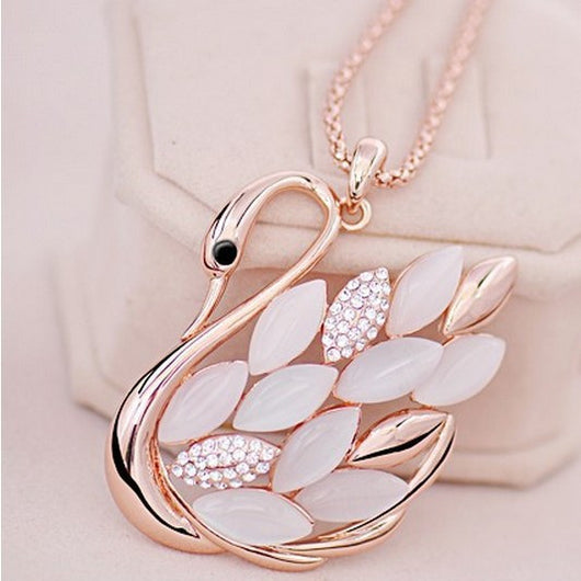 Elegant Swan Gold Plated Rhinestone Pendant & Necklace