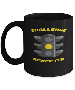 Challenge accepted mug - Motivation - Yellow light
