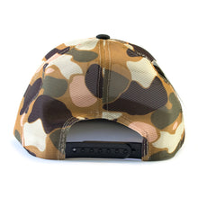 Black front & camo mesh snap back cap with branded leather patch