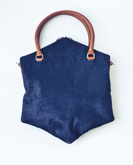 SATCHEL IN NAVY PONY