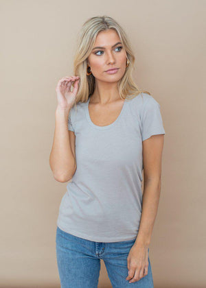 Bobi Basic Cloud Grey Scoop Neck Tee-Hand In Pocket