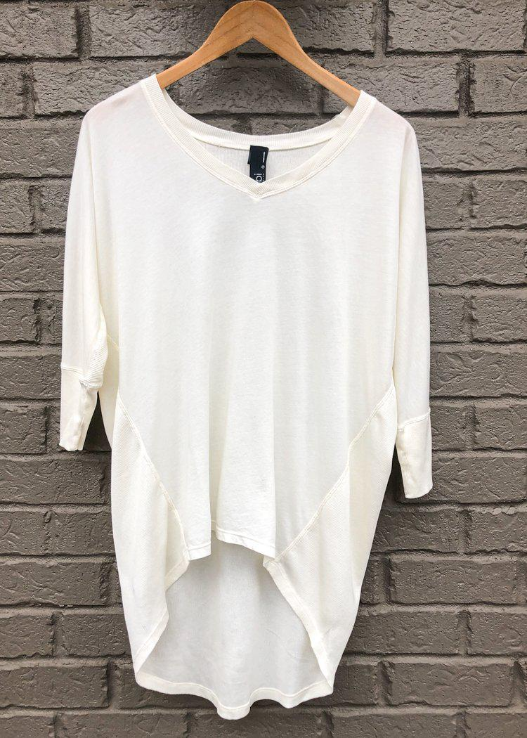 Bobi 3/4 Sleeve Hi/Lo Ribbed Contrast Tee-Cream-Hand In Pocket