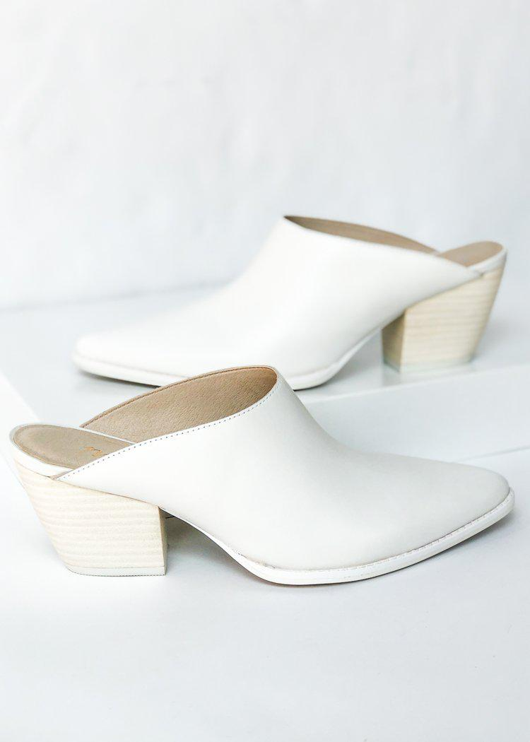 Matisse Cammy Mule-White-Hand In Pocket