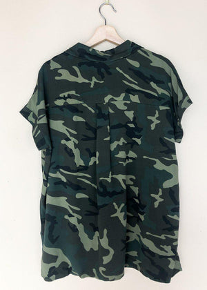 Bwindi Button Front Short Sleeve Shirt - Camo-Hand In Pocket