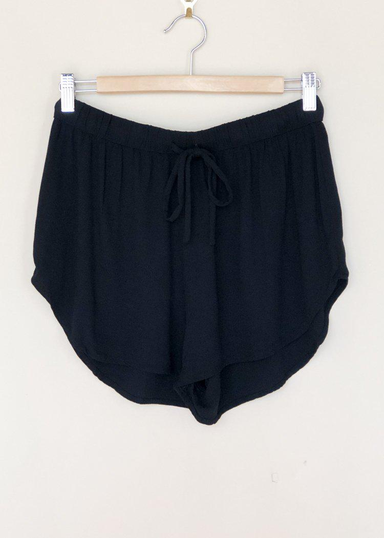 Bobi Drawstring Crepe Short - Black-Hand In Pocket