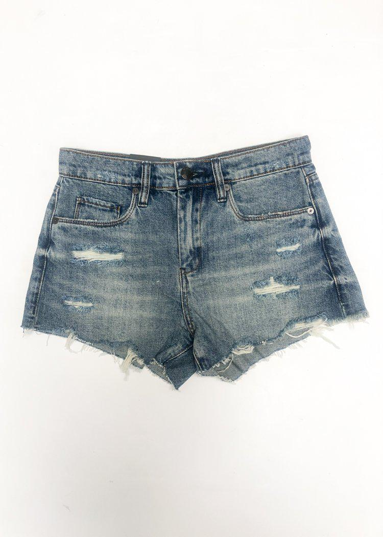 Blank NYC Barrow High-Rise Short -Top Notch-Hand In Pocket
