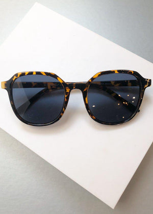 A.J. Morgan Classmate Square Round Dark Tortoise Sunnies-Hand In Pocket