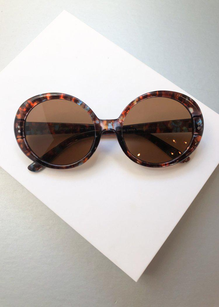 A.J. MORGAN Round Romance Tortoise Sunnies-Hand In Pocket