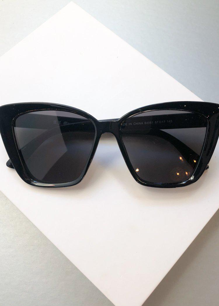 A.J. MORGAN Black Square Cat-Eye Orchestrated Sunnies-Hand In Pocket