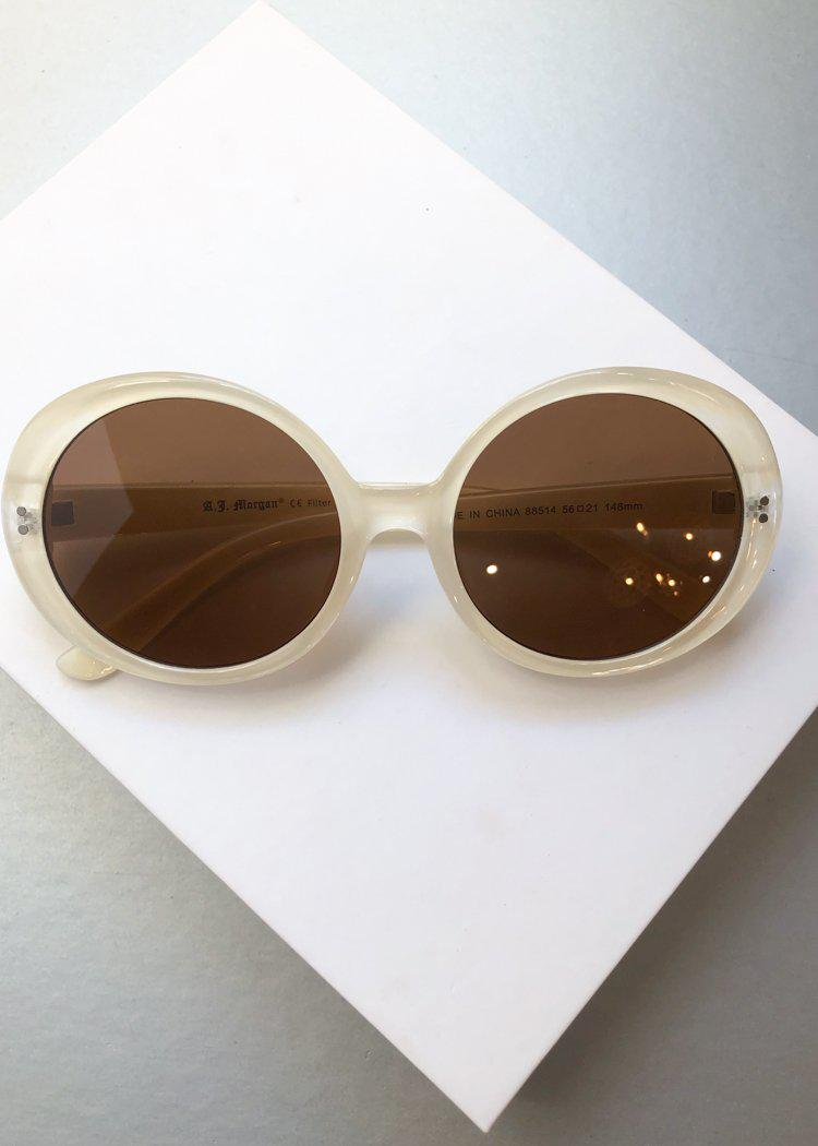 A.J. MORGAN Round Romance Cream Sunnies-Hand In Pocket