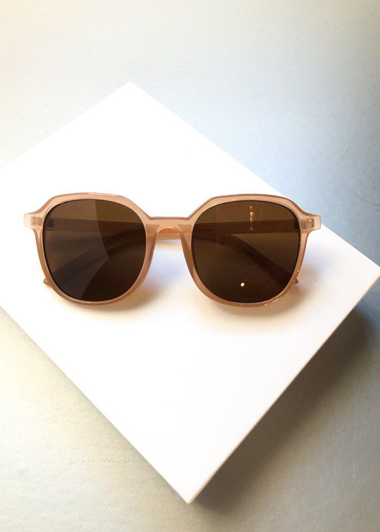 A.J. Morgan Classmate Square Round Beige Sunnies-Hand In Pocket