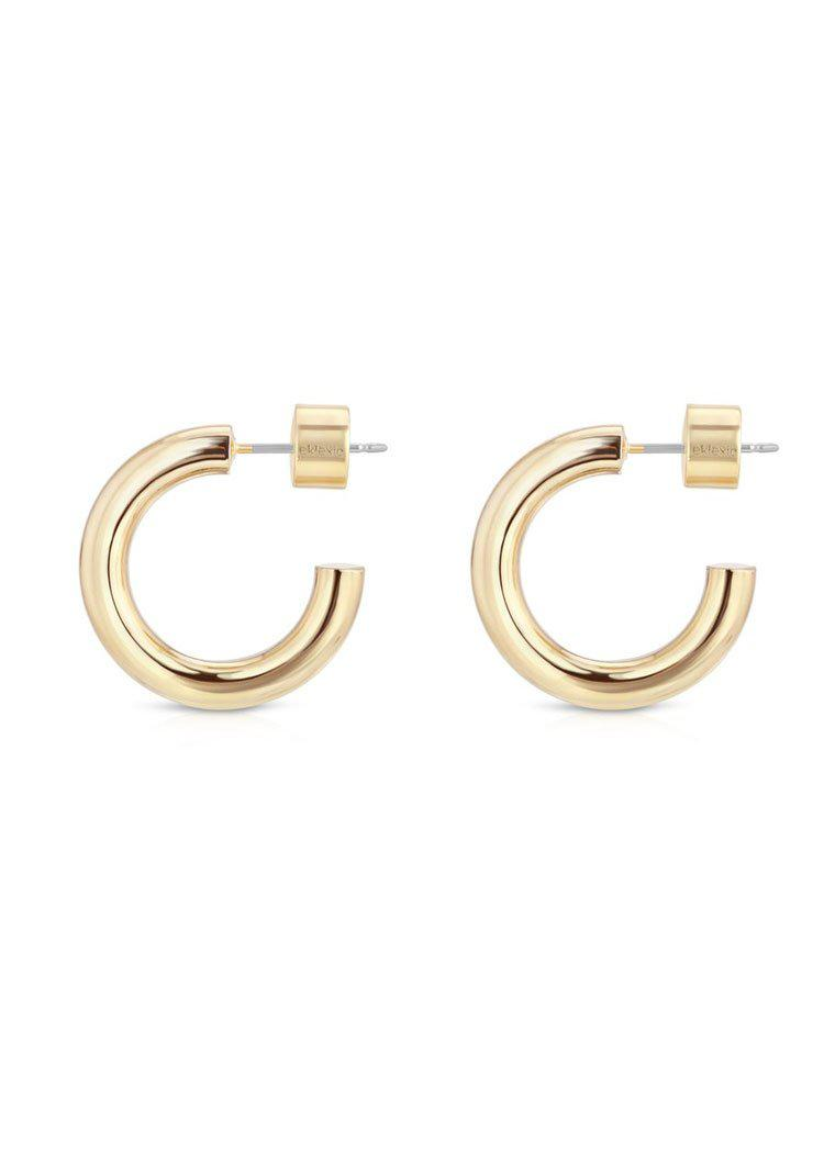 Eklexic Zo Huggie Hoops-Gold-Hand In Pocket
