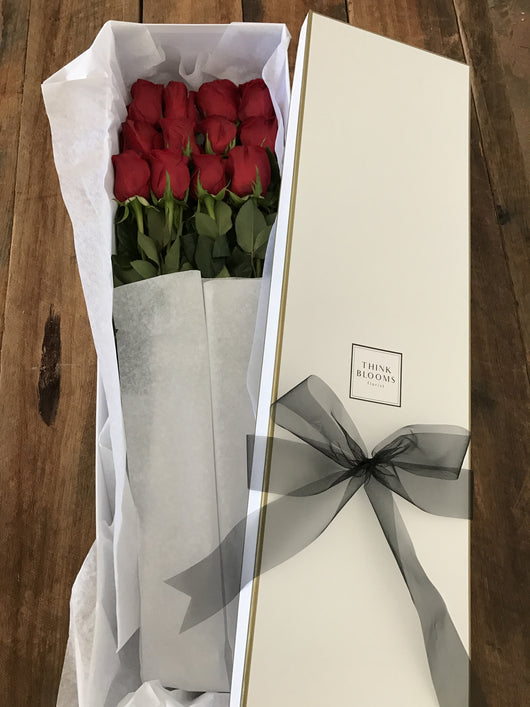 One dozen rose box