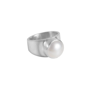 FAIRLEY | PEARL DOME RING - SILVER