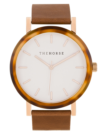 THE HORSE | RESIN - CARAMEL TREACLE CASE / WHITE DIAL / TAN LEATHER
