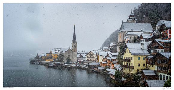 Snowing in Hallstatt II