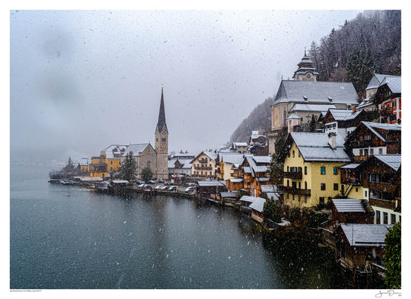 Snowing in Hallstatt