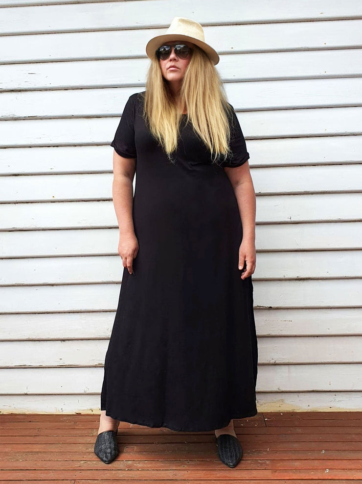 EveryDay T-Shirt Maxi Dress // Black (Selling Out Quickly)