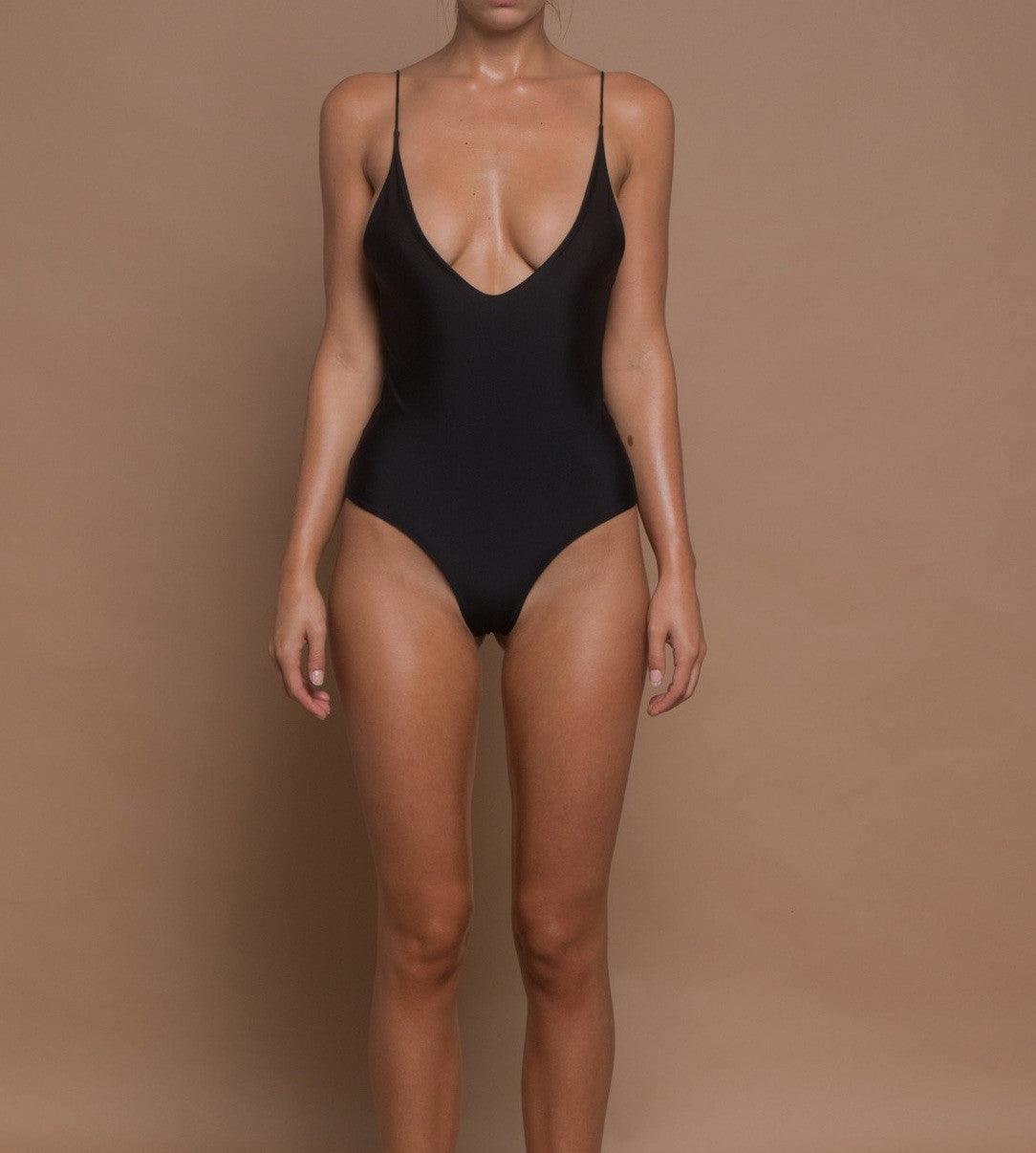 STRADDIE ONE PIECE
