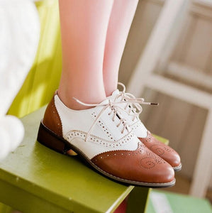 New 2018 Spring Round Toe Flat Brogue Oxford Shoes For Women Carved Lace Up Women Oxfords Shoes - Selective Girl