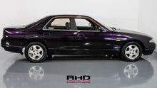Load image into Gallery viewer, 1993 Nissan Skyline R33 Sedan AT
