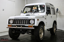 Load image into Gallery viewer, 1990 Suzuki Jimny 4x4 Turbo