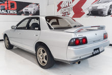 Load image into Gallery viewer, 1990 Nissan Skyline R32 GTS-4