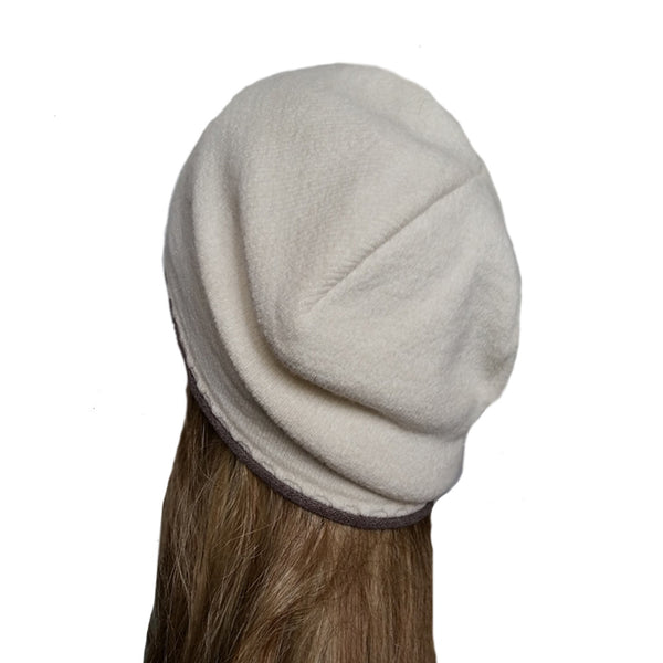 Wholesale White wool knitted beanie with ornament