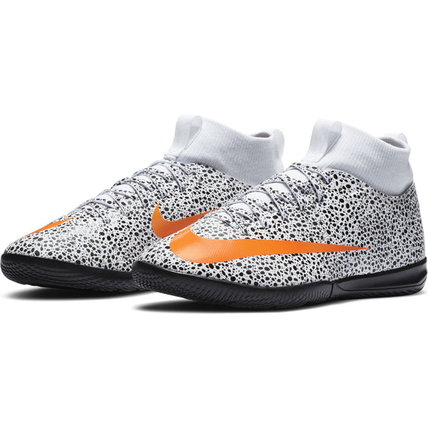 NIKE JR MERCURIAL SUPERFLY 7 ACADEMY IC CR7 SAFARI WHITE/ORA