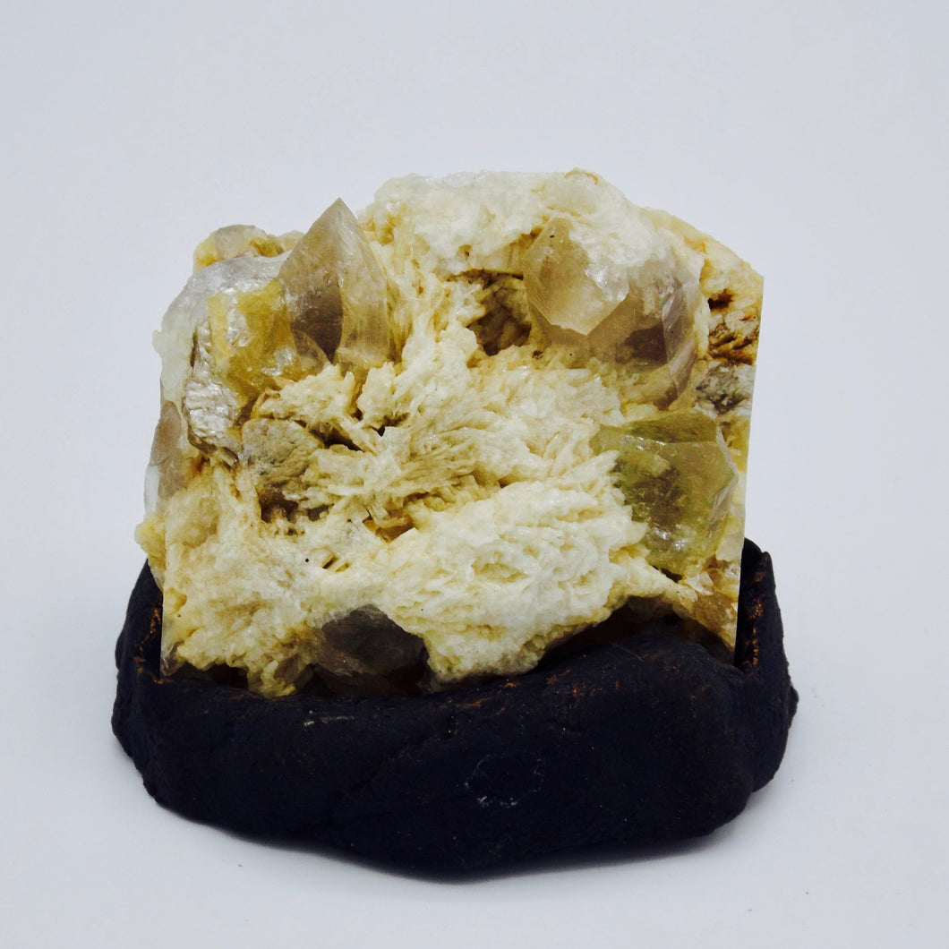 Topaz with Muscovite, Albite and Quartz
