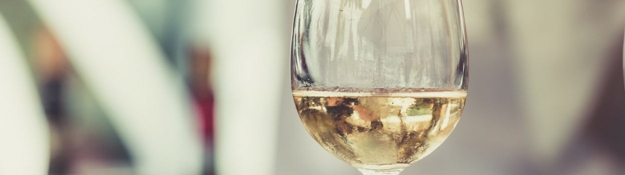 Sulphites in wine: 6 most popular myths about natural wines