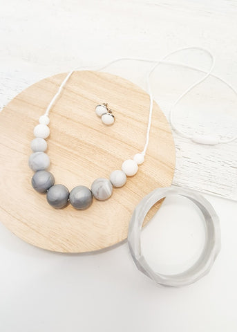 A minimalist design that is ultra modern and super light weight. This completely waterproof and washable necklace is perfect for beach lovers, active women and busy mums wanting a stylish and practical alternative to regular costume jewellery. - Silver Lining Gift Set (also available as separately) - Bowerbird Creations