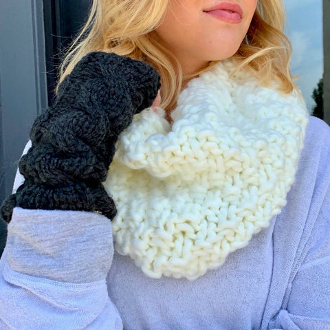 Chunky Knit Infinity Scarf (Choose Color)