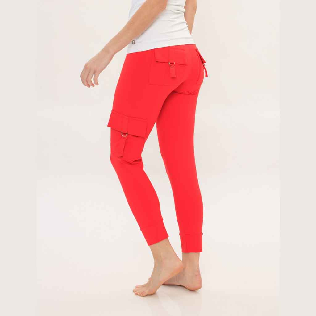 Bluefish Sport Cargo Legging in red with pockets.