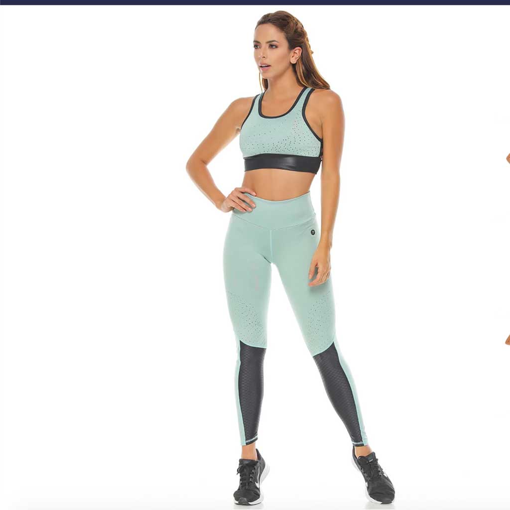 Tera light green activewear leggings and matching sports bra by Protokolo.