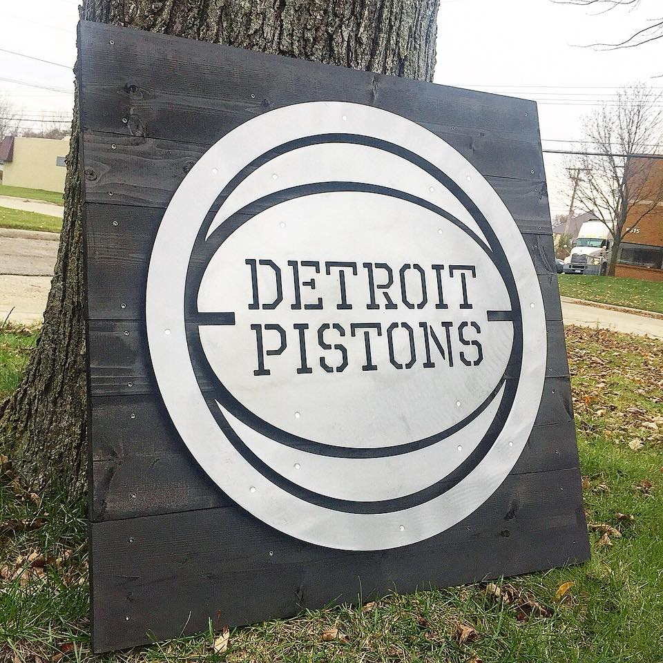 Detroit Pistons on Wood (v1)