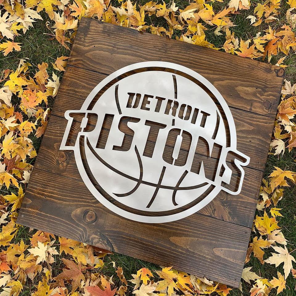 Detroit Pistons on Wood (v2)