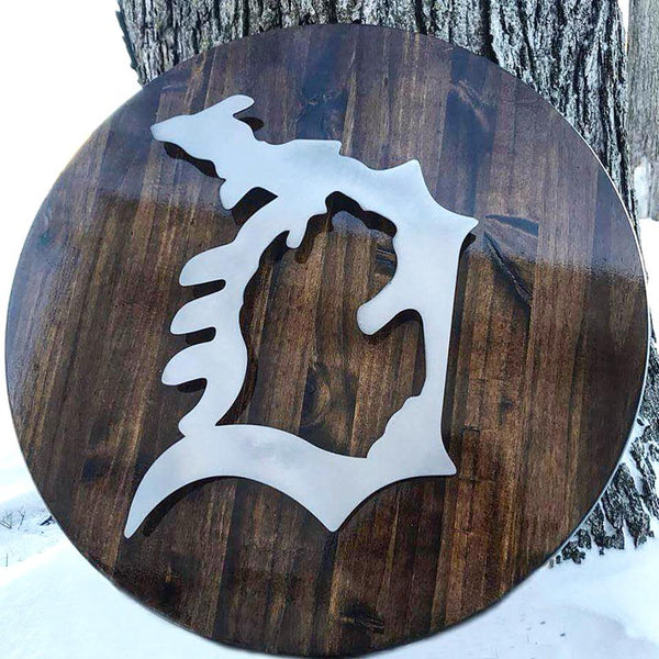 Metal MI in Detroit D on Wood