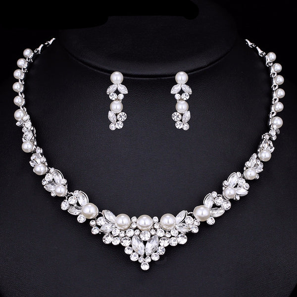 Extravagant Pearl Bridal Jewelry Set