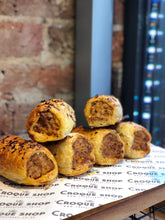 spicy collection - 12 sausage rolls