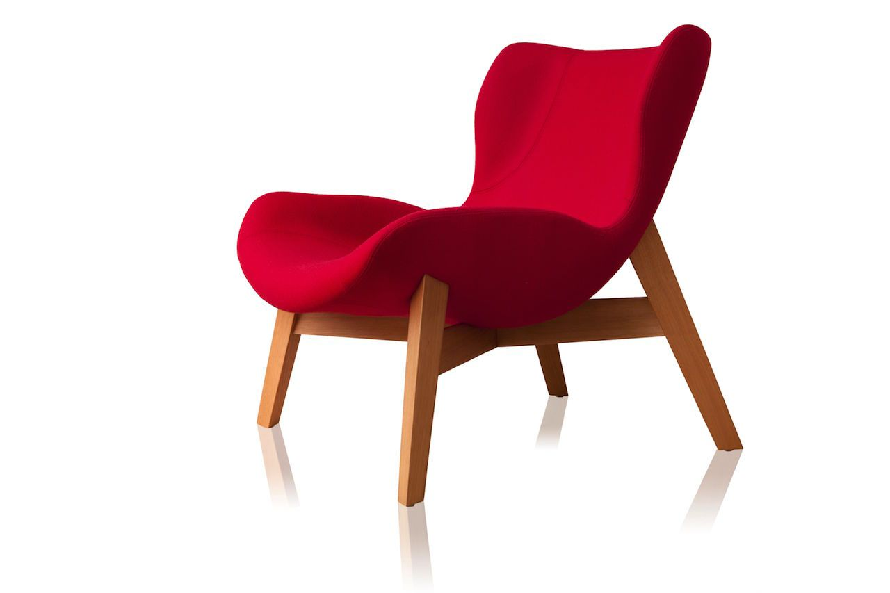 Daff lounge chair by Jader Almeida