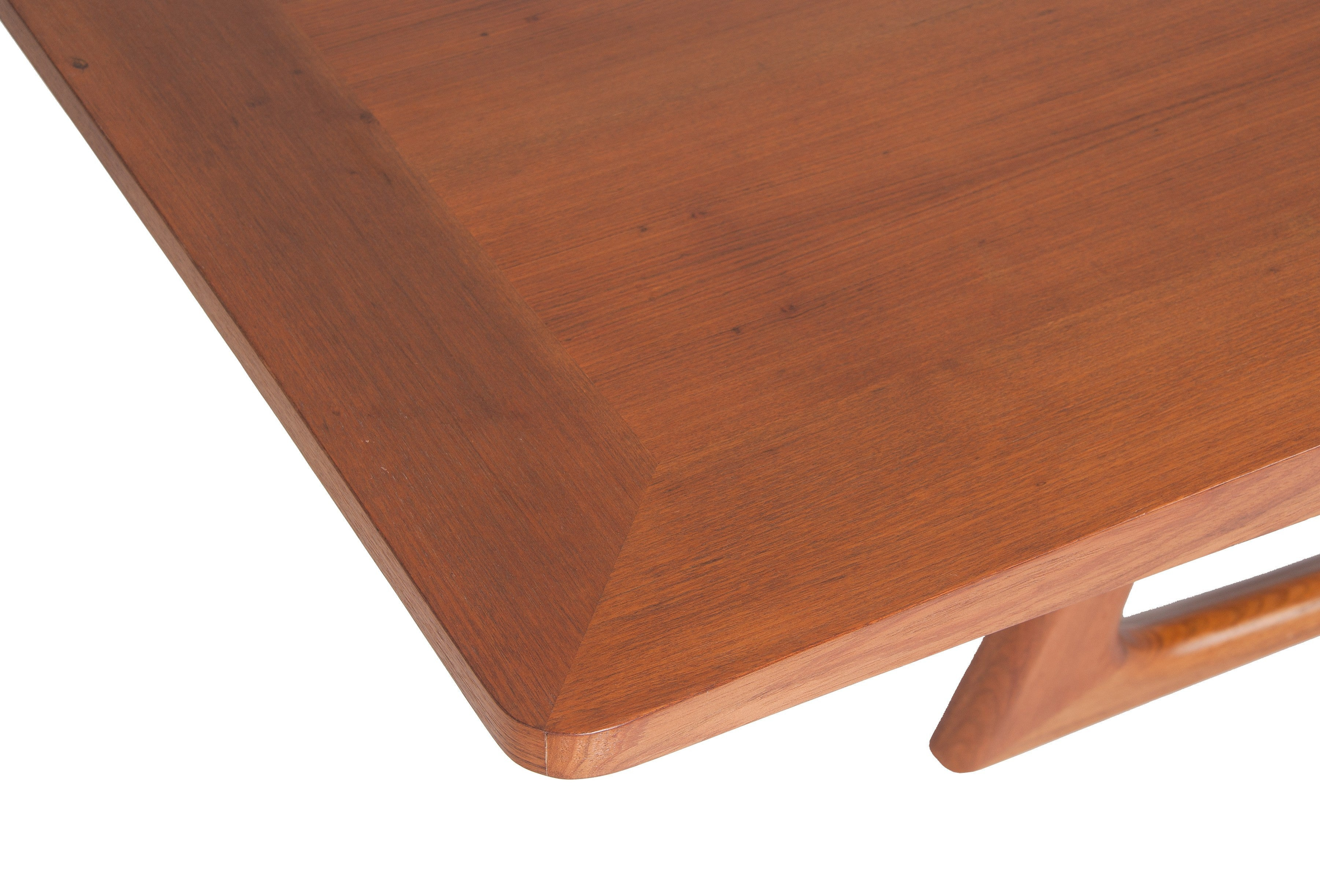 Mangue dining table by Rejane Carvalho Leite