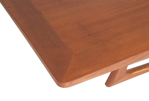 Mangue dining table by Rejane Carvalho Leite - Kelly Christian Designs