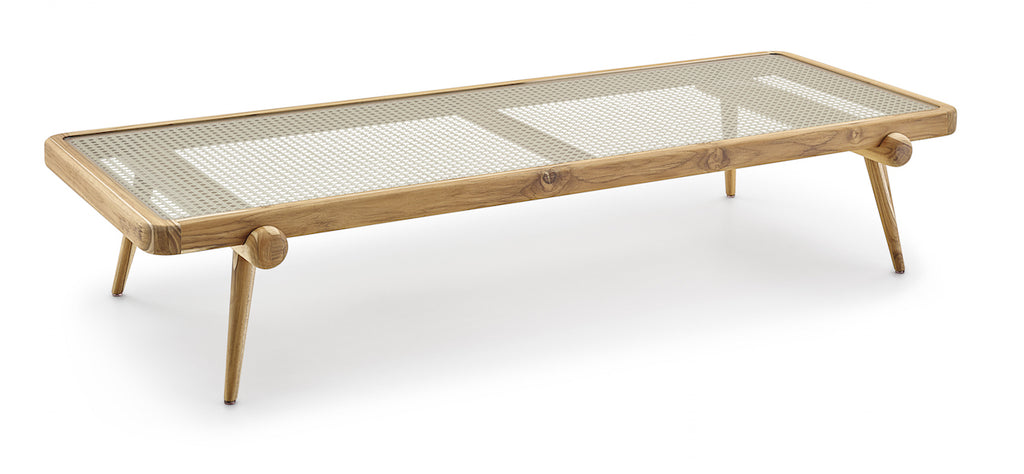 Plot coffee table by Studio Uultis